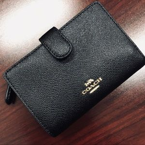 NWT Coach Wallet | Black & Gold Saffiano Wallet